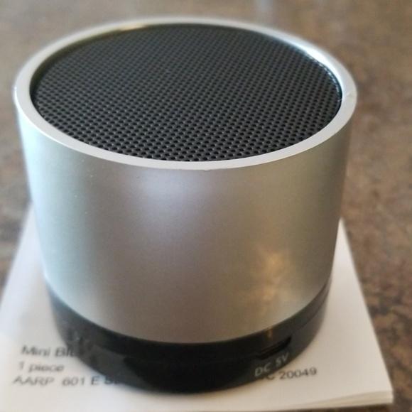 NIB Bluetooth Speaker